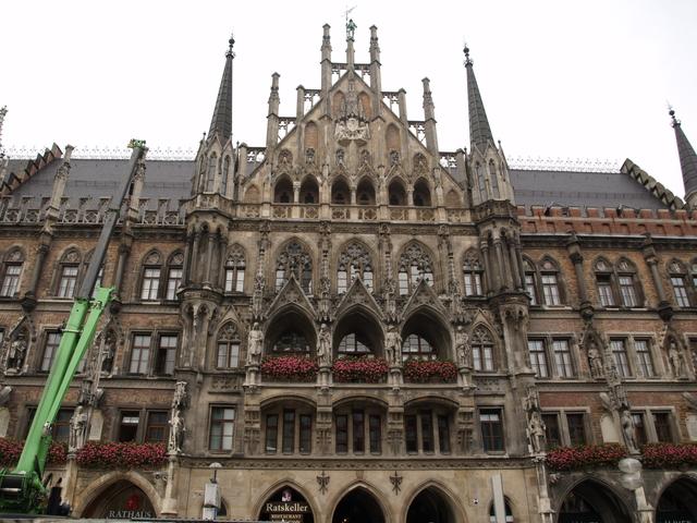 Neues Rathaus отвън - 4