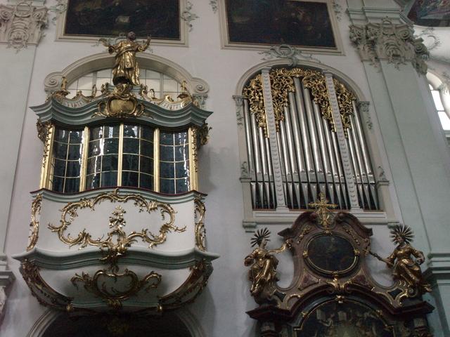 Манастирската черква - 5