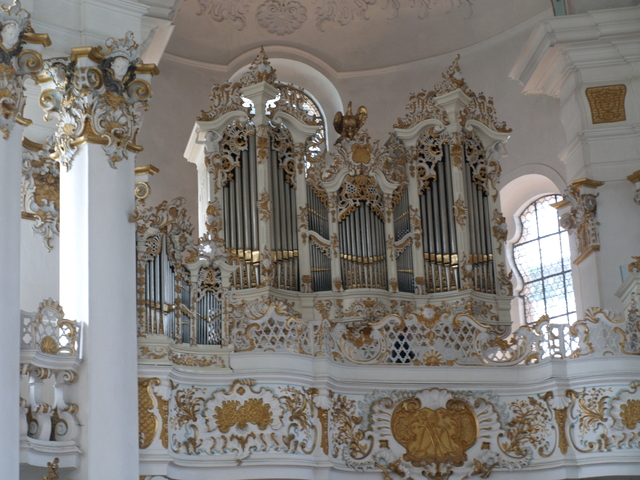 Църквата - 8