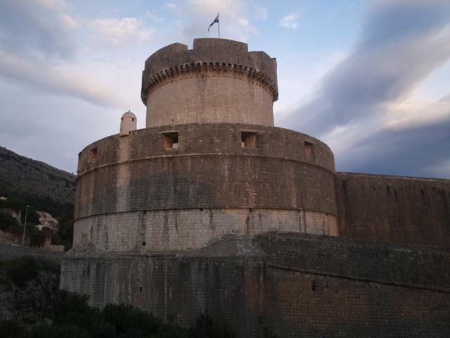 Източната кула - 1б