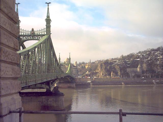 Още един прекрасен мост