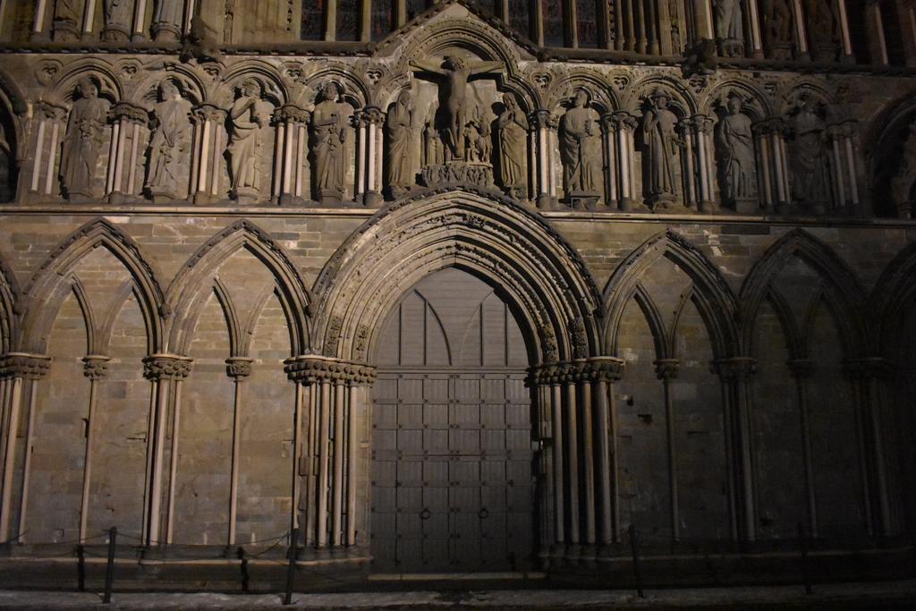 Катедралата - 4